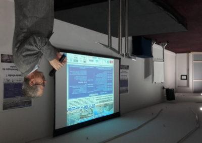 """""""Pesquisas em ligações de estruturas de concreto pré-moldado"""""""